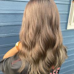 ブリーチなし ロング ミルクティーブラウン 透明感カラー ヘアスタイルや髪型の写真・画像