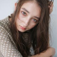 くせ毛風 外国人風 ロング フレンチセピアアッシュ ヘアスタイルや髪型の写真・画像
