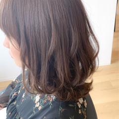 ゆるナチュラル フェミニン 透明感カラー ミルクティーグレージュ ヘアスタイルや髪型の写真・画像