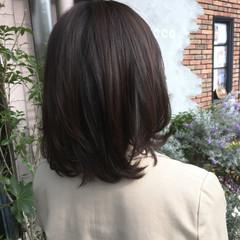 ミディアム 暗髪 アッシュ コンサバ ヘアスタイルや髪型の写真・画像