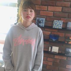 ピュア ミディアム お団子 ルーズ ヘアスタイルや髪型の写真・画像