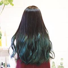 グラデーションカラー ロング グリーン モード ヘアスタイルや髪型の写真・画像