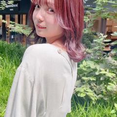 ラベンダーピンク ピンクベージュ ブリーチなし ナチュラル ヘアスタイルや髪型の写真・画像