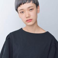 アッシュ ハイトーン モード ショート ヘアスタイルや髪型の写真・画像