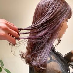 セミロング ラベンダーピンク ピンク ピンクブラウン ヘアスタイルや髪型の写真・画像