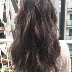 透明感 冬 ロング グレージュ ヘアスタイルや髪型の写真・画像