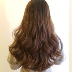 巻き髪 ロング エレガント ゆる巻き ヘアスタイルや髪型の写真・画像