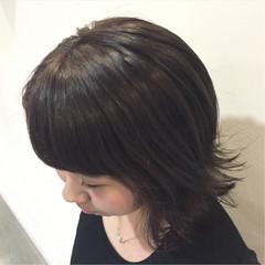 暗髪 スモーキーカラー 切りっぱなし ボブ ヘアスタイルや髪型の写真・画像