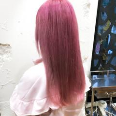 ピンク ロング ガーリー デザインカラー ヘアスタイルや髪型の写真・画像