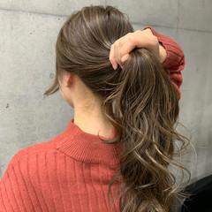 ミルクティーアッシュ ロング 3Dハイライト ハイライト ヘアスタイルや髪型の写真・画像