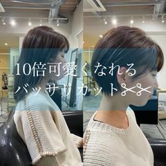 ショートヘア 切りっぱなしボブ ガーリー ショートボブ ヘアスタイルや髪型の写真・画像