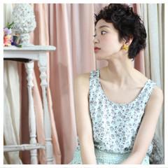 小顔 ベリーショート 外国人風 ゆるふわ ヘアスタイルや髪型の写真・画像