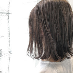 オフィス ハイライト ミディアム 外国人風 ヘアスタイルや髪型の写真・画像
