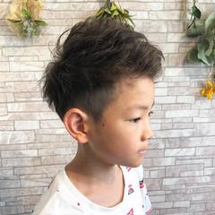メンズカット アップバング キッズカット ナチュラル ヘアスタイルや髪型の写真・画像