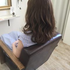 アッシュ 透明感 秋 リラックス ヘアスタイルや髪型の写真・画像