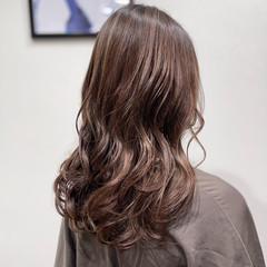 ロング 大人ハイライト エレガント 極細ハイライト ヘアスタイルや髪型の写真・画像