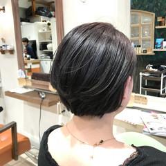 ナチュラル グレー ショート グレージュ ヘアスタイルや髪型の写真・画像