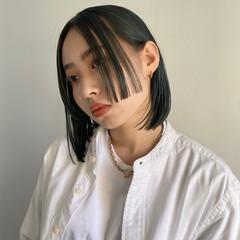 ブリーチカラー モード ボブ 切りっぱなしボブ ヘアスタイルや髪型の写真・画像