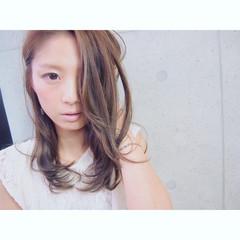 ブラウン フェミニン レイヤーカット ヘアアレンジ ヘアスタイルや髪型の写真・画像