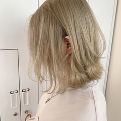 ボブ レイヤースタイル ミルクティーベージュ レイヤーカット ヘアスタイルや髪型の写真・画像