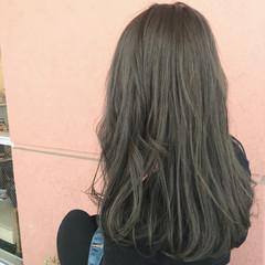 アッシュ ゆるふわ フェミニン 暗髪 ヘアスタイルや髪型の写真・画像