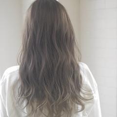 ロング おフェロ リラックス 透明感 ヘアスタイルや髪型の写真・画像