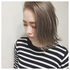 簡単ヘアアレンジ アッシュ ハイライト ガーリー ヘアスタイルや髪型の写真・画像