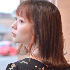 オレンジカラー オレンジ ナチュラル インナーカラー ヘアスタイルや髪型の写真・画像