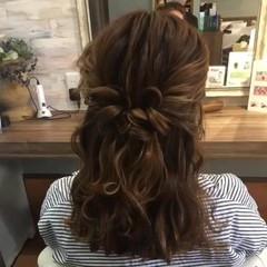 結婚式 フェミニン 三つ編み セミロング ヘアスタイルや髪型の写真・画像