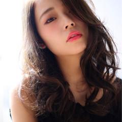 大人かわいい 暗髪 ナチュラル セミロング ヘアスタイルや髪型の写真・画像
