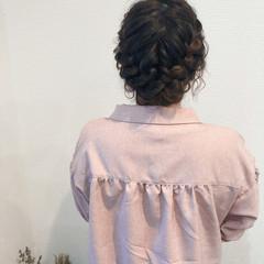 編み込み アップ フェミニン ミディアム ヘアスタイルや髪型の写真・画像
