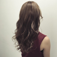 フェミニン 渋谷系 外国人風 ロング ヘアスタイルや髪型の写真・画像