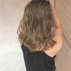 コンサバ イルミナカラー アッシュ ミディアム ヘアスタイルや髪型の写真・画像