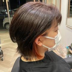 ナチュラル インナーカラーオレンジ ショートヘア 多毛 ヘアスタイルや髪型の写真・画像