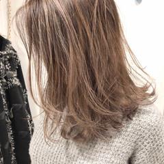 外人ヘア デザインカラー 西海岸風 バレイヤージュ ヘアスタイルや髪型の写真・画像