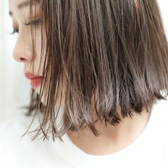 グレージュ ウェットヘア ストレート 抜け感 ヘアスタイルや髪型の写真・画像