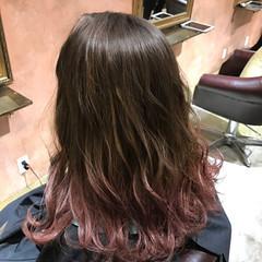 グラデーションカラー アッシュ ピンク ベージュ ヘアスタイルや髪型の写真・画像