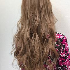 ブリーチ ベージュ フェミニン ロング ヘアスタイルや髪型の写真・画像