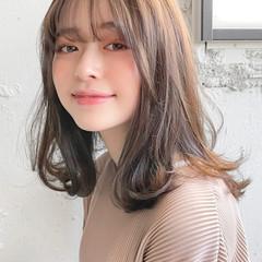 アンニュイほつれヘア ナチュラル アウトドア 大人かわいい ヘアスタイルや髪型の写真・画像