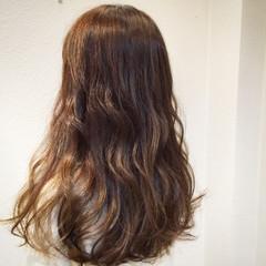 アンニュイ ウェーブ ふわふわ アッシュベージュ ヘアスタイルや髪型の写真・画像