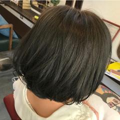 ボブ アッシュグレージュ アッシュ ブルージュ ヘアスタイルや髪型の写真・画像