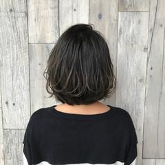 アッシュグレージュ 外国人風 ハイライト ナチュラル ヘアスタイルや髪型の写真・画像