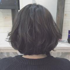 アッシュ ストリート 暗髪 レイヤーカット ヘアスタイルや髪型の写真・画像