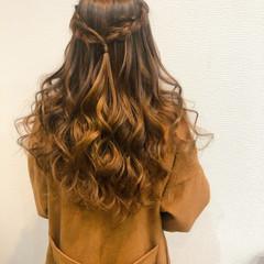 フェミニン ヘアセット ハーフアップ 編み込み ヘアスタイルや髪型の写真・画像