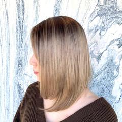ミディアム 髪質改善カラー デザインカラー モード ヘアスタイルや髪型の写真・画像
