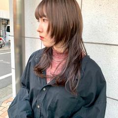 ミディアムレイヤー レイヤースタイル セミロング ウルフレイヤー ヘアスタイルや髪型の写真・画像