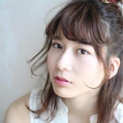 小顔 フェミニン 大人かわいい ヘアアレンジ ヘアスタイルや髪型の写真・画像