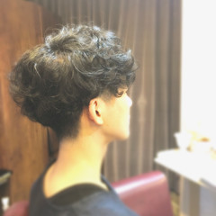 パーマ 坊主 ストリート ボーイッシュ ヘアスタイルや髪型の写真・画像