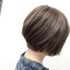ショートボブ 大人かわいい アッシュ 似合わせ ヘアスタイルや髪型の写真・画像