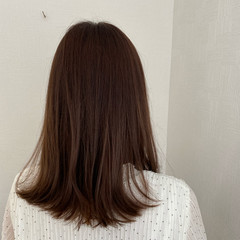 ショコラブラウン ナチュラル セミロング ブラウンベージュ ヘアスタイルや髪型の写真・画像